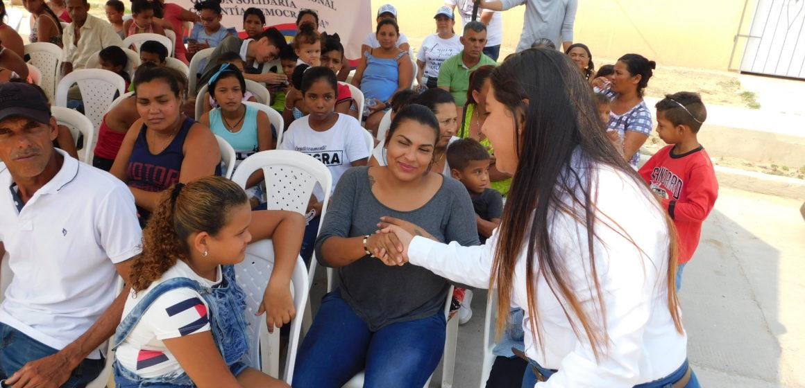 VISITA DE LAURA FONTALVO PERALTA AL BARRIO NUEVA ILUSION