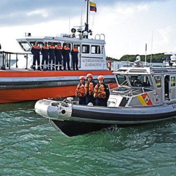 Armada rescató a 25 nicaragüenses y 3 hondureños a la deriva en Serranilla