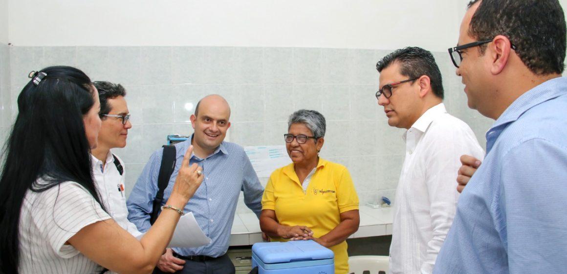 """""""El hospital de Puerto sirve a la comunidad y dan ganas de ayudarle"""": viceministro de Salud Pública"""