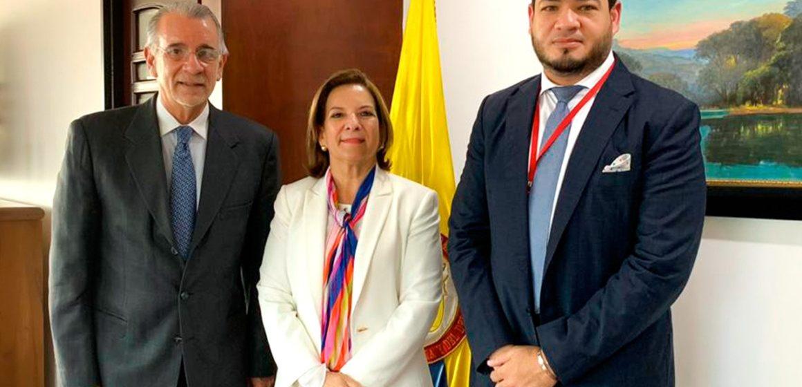 MinJusticia reitera al gobernador Verano compromiso con complejo carcelario en el Atlántico