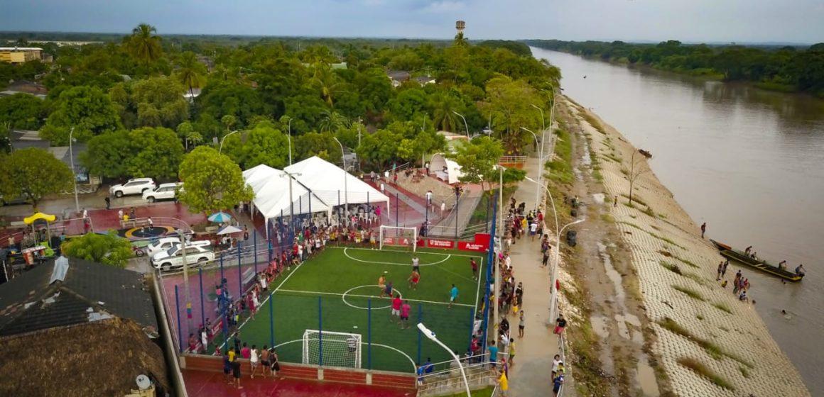 #AtlánticoLíderEnObras: Verano le dio a Santa Lucía la Plaza Bolívar y el Gran Malecón