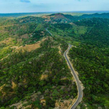 #AtlánticoLíderEnObras: Verano impulsa el ecoturismo y productividad agrícola con nueva vía Usiacurí – Aguas Vivas – Luriza
