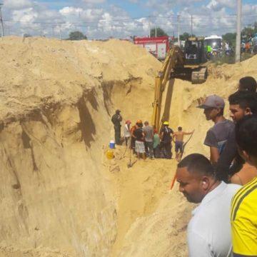 Muere obrero en derrumbe en obras de alcantarillado en Santo Tomás: otros dos resultaron heridos
