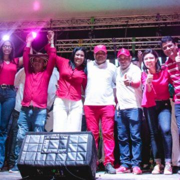 La Yenimania llenó los Halcones con sus seguidores y el talento malambero en el cierre de campaña de Yenis Orozco Bonett