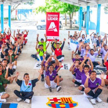 Gobernación premia a niños y jóvenes que fomentan valores en colegios y barrios