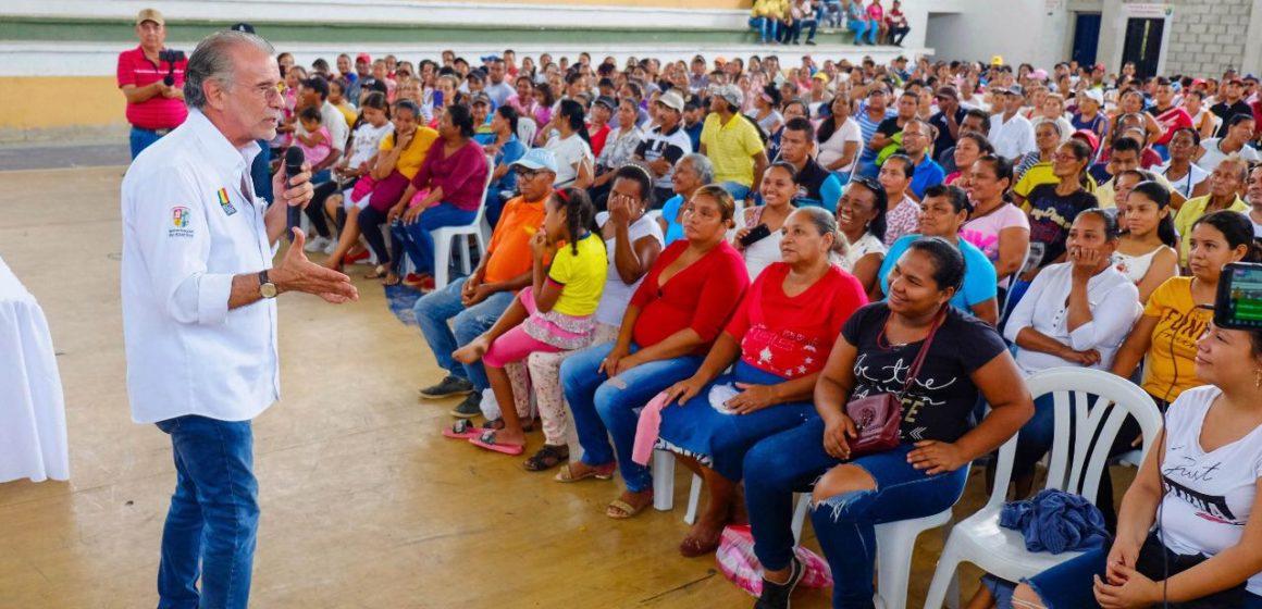 Verano convirtió en propietarios de viviendas a 526 familias de Sabanalarga
