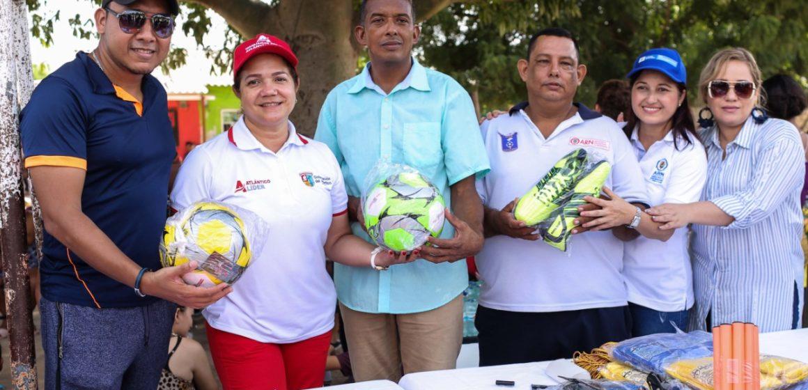 Gobernación entrega dotación deportiva para la sana convivencia entre jóvenes de Soledad y Malambo