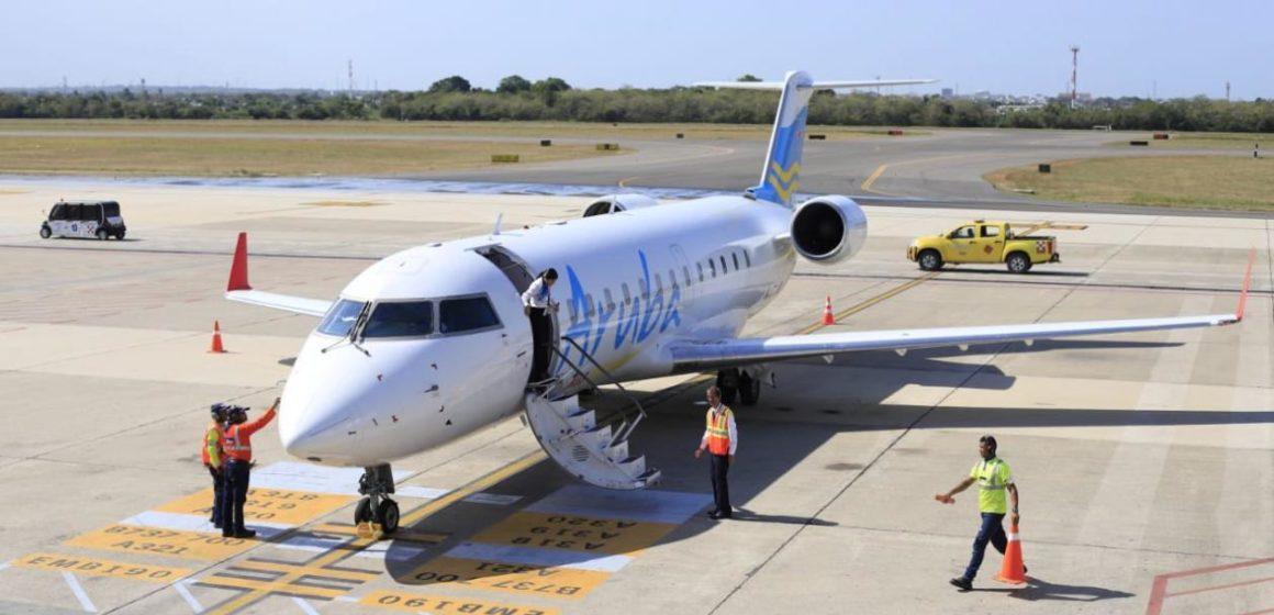 Aterriza en el Cortissoz el primero vuelo oficial de Aruba Airlines, con 43 pasajeros
