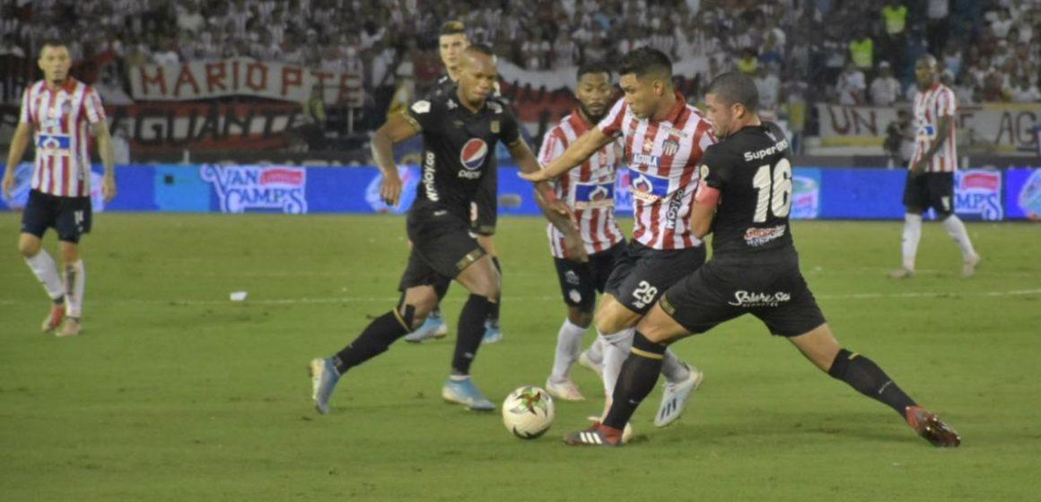 Nadie se quedó por fuera: Julio Comesaña reservó 28 jugadores para la finalísima