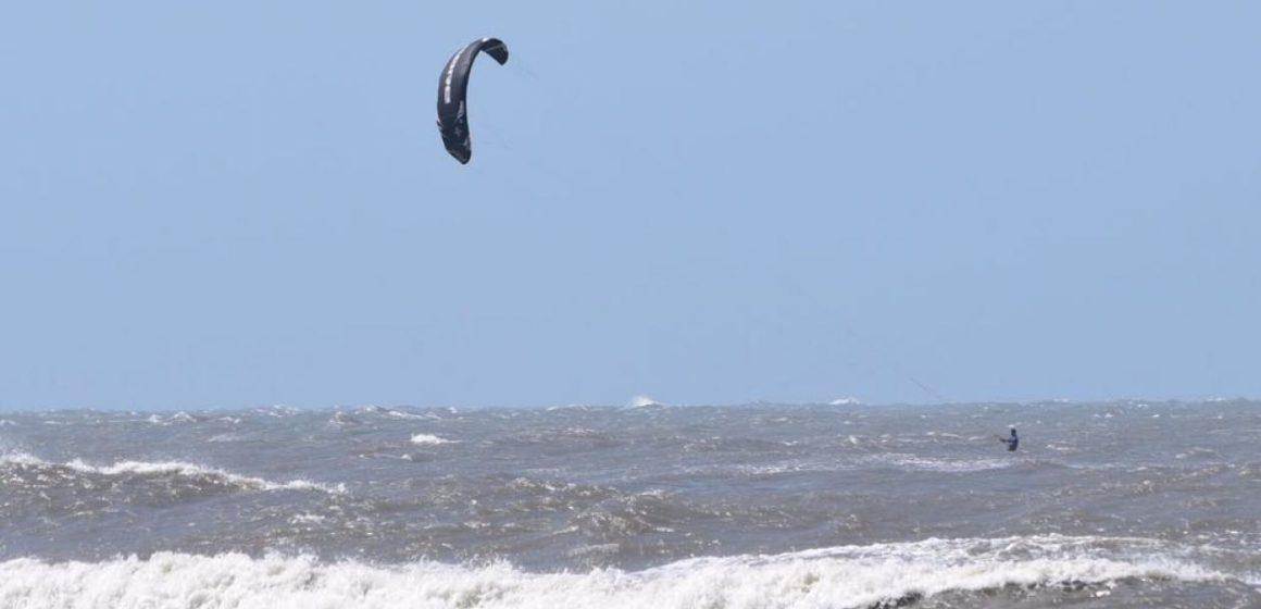 Extreman medidas de seguridad para actividades náuticas por incremento de vientos y altura de oleaje