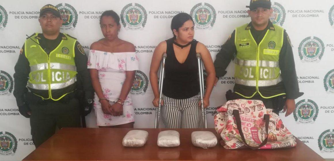 Capturan a dos mujeres con dos kilos de marihuana en Las Cayenas