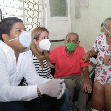 Alcaldía y Gobernación brindan atención integral a familia de adultos mayores y en condición de discapacidad, en Malambo