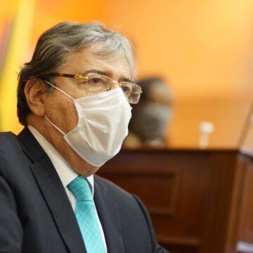 Carlos Holmes Trujillo no renunciará a su cargo como ministro de Defensa