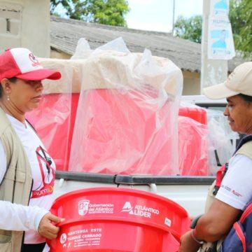 Atlántico previene el dengue con entrega de tanques para almacenar agua