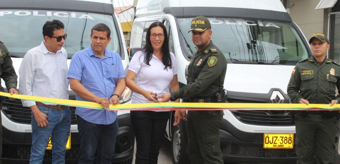 Alcaldía entregó vehículos a la Policía para reforzar vigilancia en Malambo.