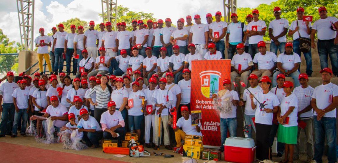 Gobernación activa asociaciones de pescadores artesanales del Atlántico