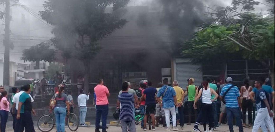 Se incendió un local comercial de la calle Murillo