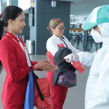 Continúan controles a pasajeros en la Terminal Metropolitana de Transporte y en el Aeropuerto