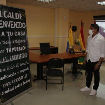 'Con las botas puestas' regresó a su cargo de Alcalde de Malambo Rumenigge Monsalve