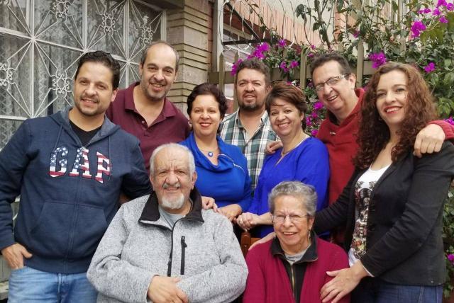 Tres miembros de una familia santandereana mueren por COVID después de celebrar un cumpleaños