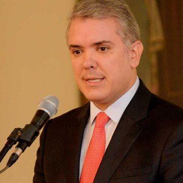 BENEPLACITO ENTRE COLOMBIANOS POR ELIMINACION DE IMPUESTOS POR TIMBRES EN LOS CONSULADO
