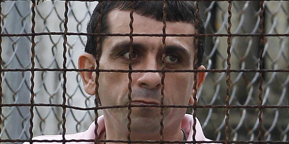 El confort y el lujo   donde Samuel Viñas paga casa por cárcel hace un año,  hizo protestar a los familiares de Clarena Acosta.