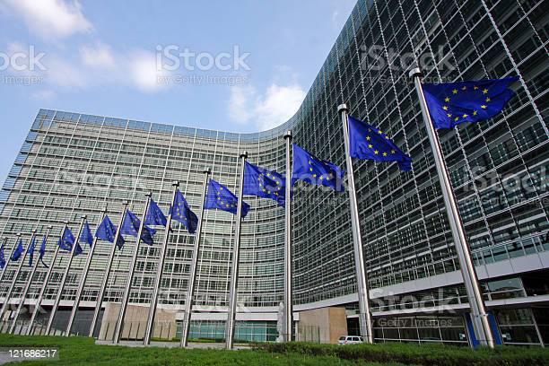 DESDE EUROPA EL PARLAMENTO SOLICITA PROTECCION PARA CARLOS CAICEDO GOBERNADOR DEL MAGDALENA.