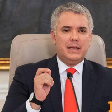 ENTUTELAN AL PRESIDENTE POR SU SALIDA SIN ESCUCHAR LA OPOSICION EL PASADO 20 DE JULIO.