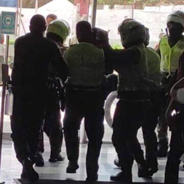 VALEROSO AGENTE DE CIVIL FUSTRA ATRACO A ENTIDAD BANCARIA EN EL NORTE DE BARRANQUILLA.