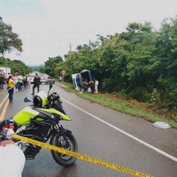 MADRE E HIJA VICTIMAS MORTALES DE BUS ACCIDENTADO  EN LA TRONCAL DE OCCIDENTE A LA ALTURA DE LA ENTRADA  AL GUAMO.